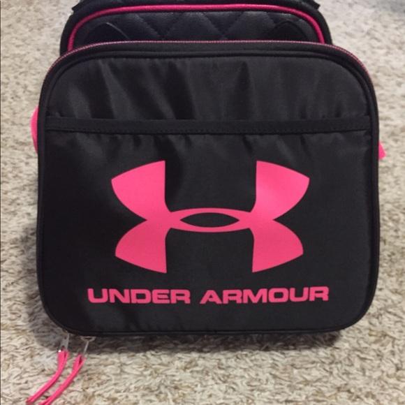 a8d0be94b9fa Girls Under Armour lunch bag. M 5b77506a2aa96a56335b7887